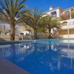 Holiday Rentals in Praia D'El Rey 275