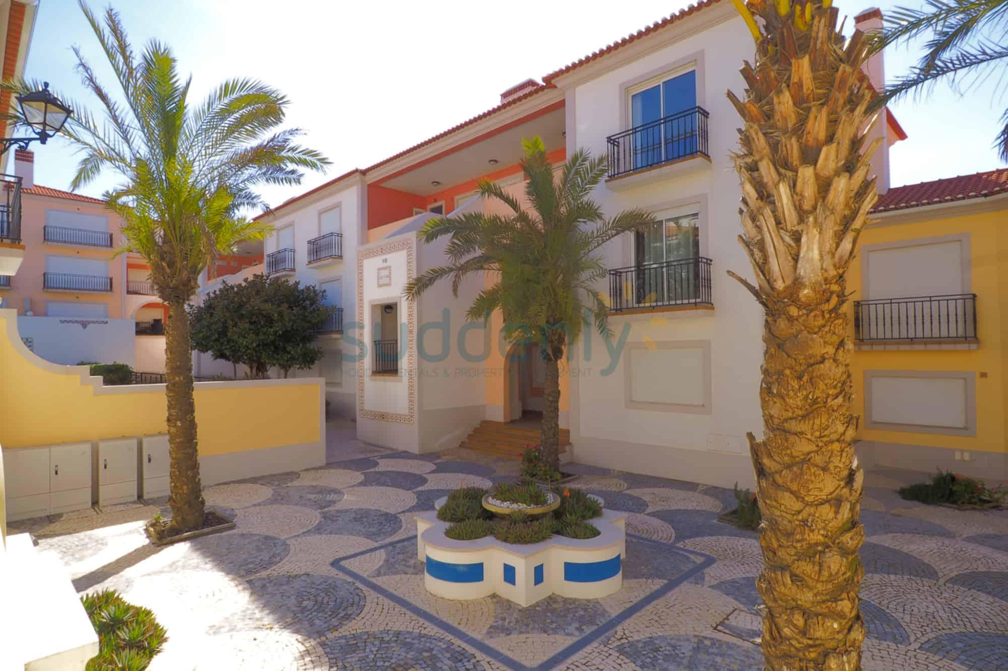 Holiday Rentals in Praia D'El Rey 258