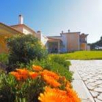 Holiday Rentals in Praia D'El Rey 371