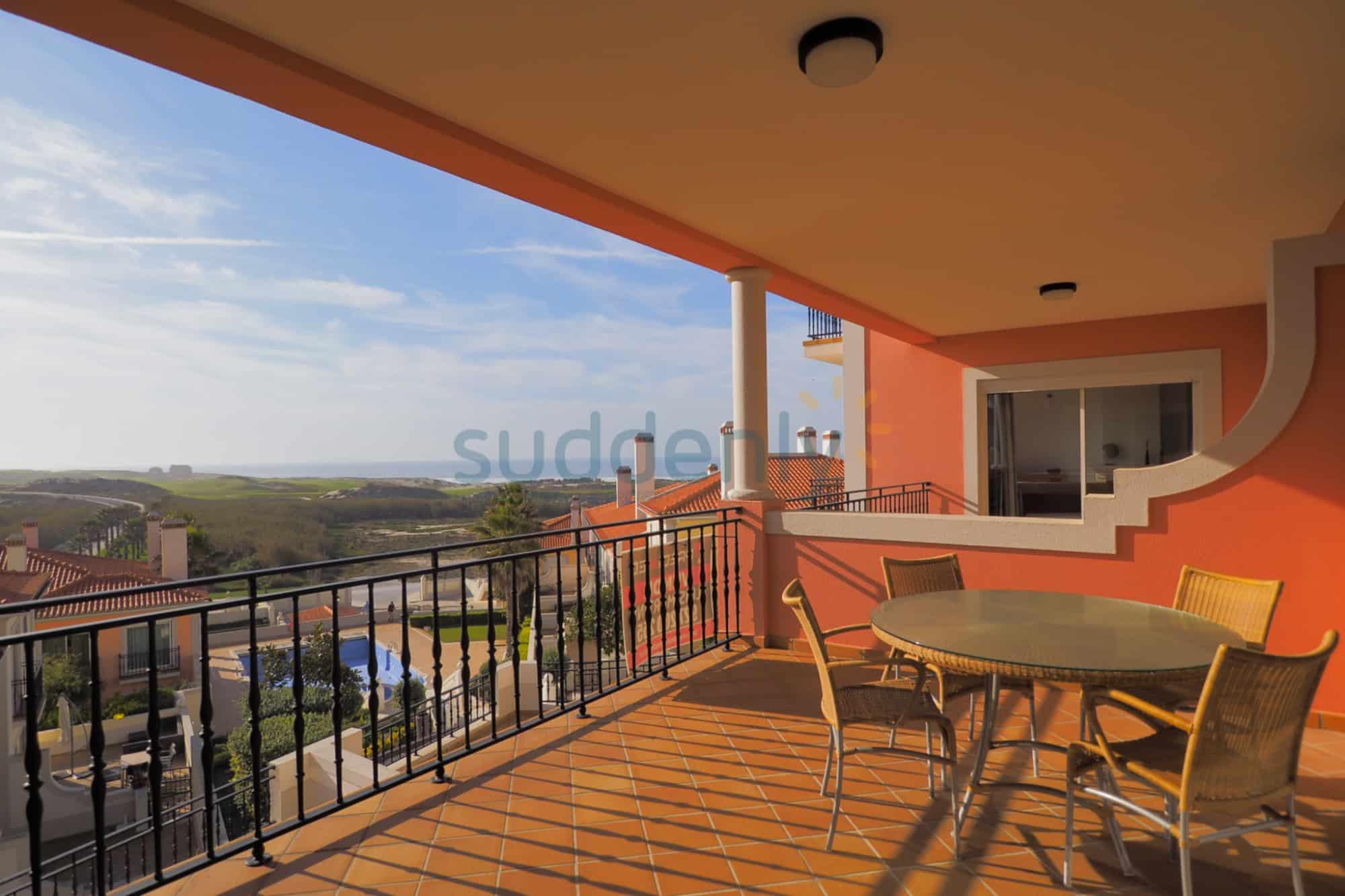 Holiday Rentals in Praia D'El Rey 221