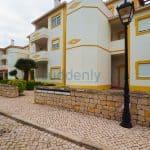 Holiday Rentals in Praia D'El Rey 185