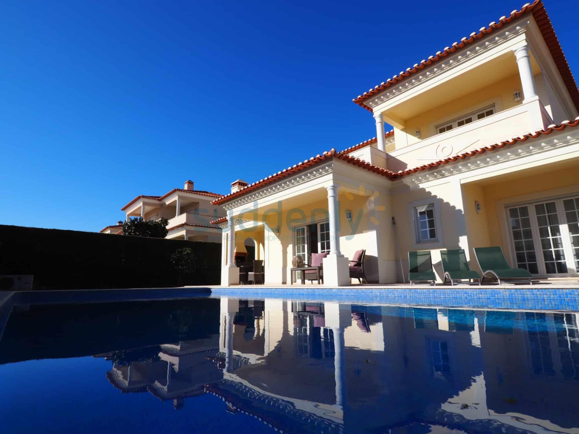 Holiday Rentals in Praia D'El Rey 46