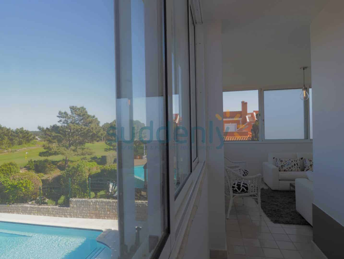 Holiday Rentals in Praia D'El Rey 387