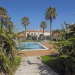 Holiday Rentals in Praia D'El Rey 25