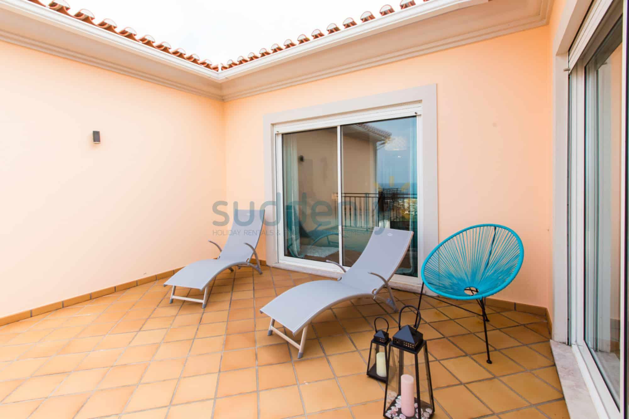 Holiday Rentals in Praia D'El Rey 309