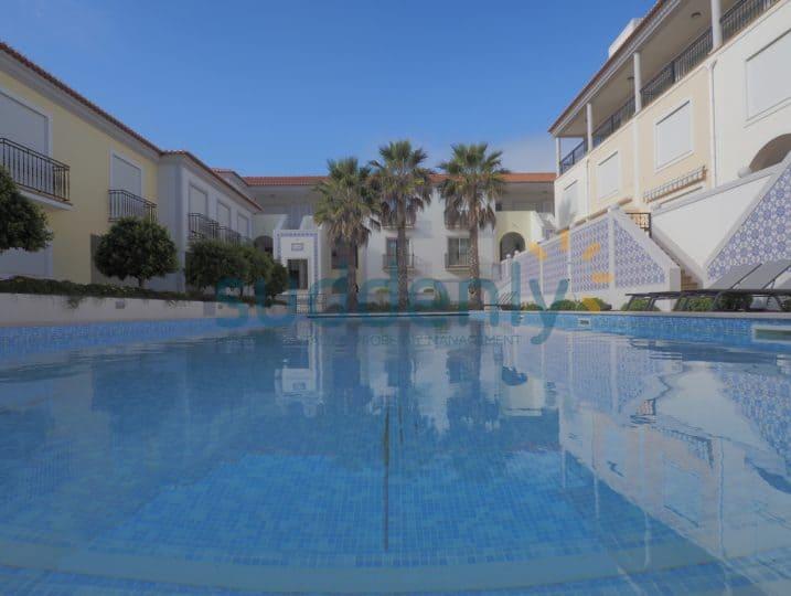 24849/AL - Vila da Praia 466-C10 2