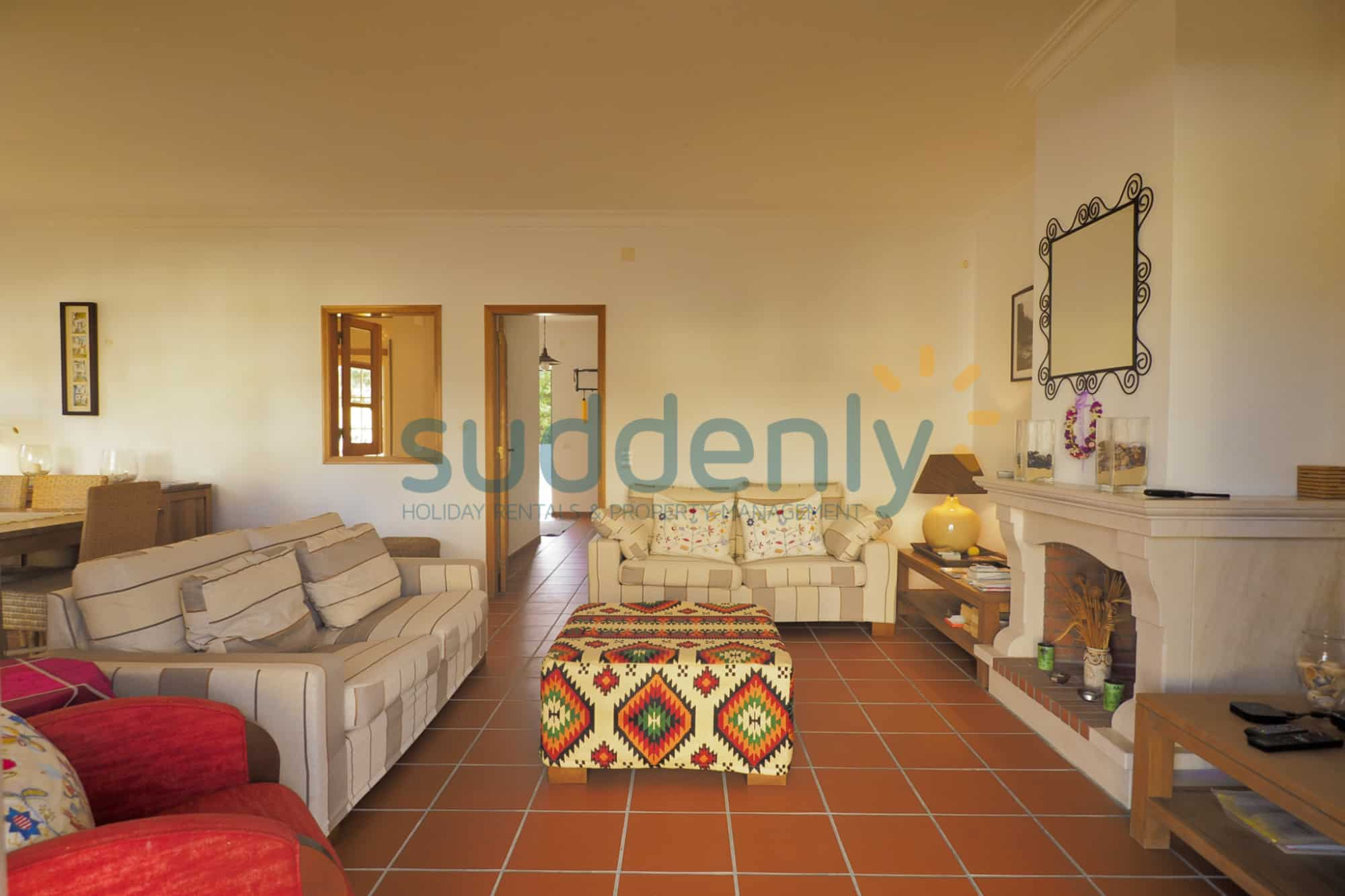 Holiday Rentals in Praia D'El Rey 324
