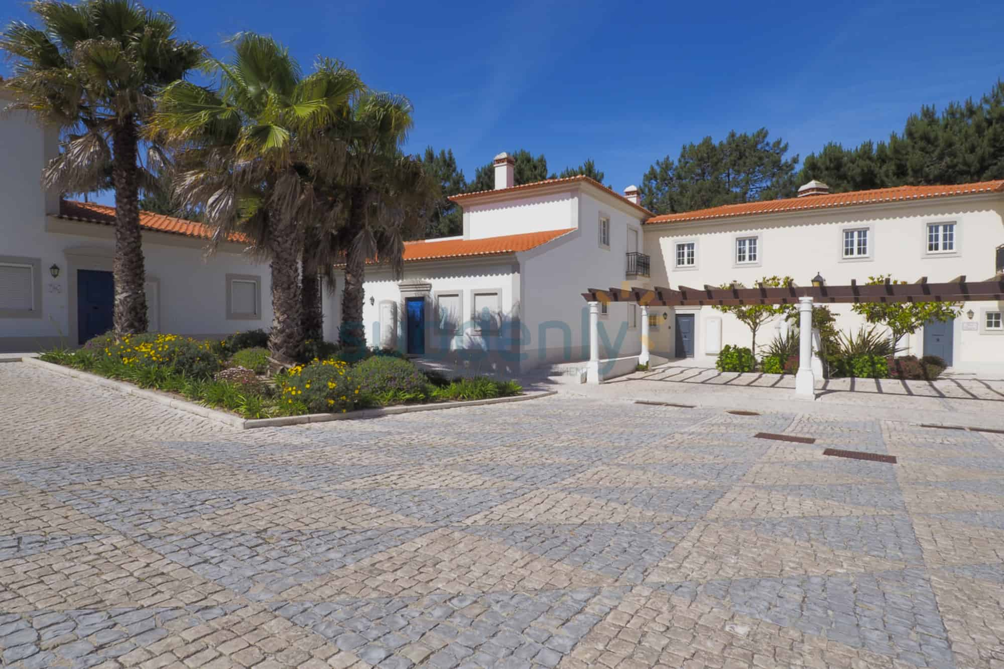 Holiday Rentals in Praia D'El Rey 46