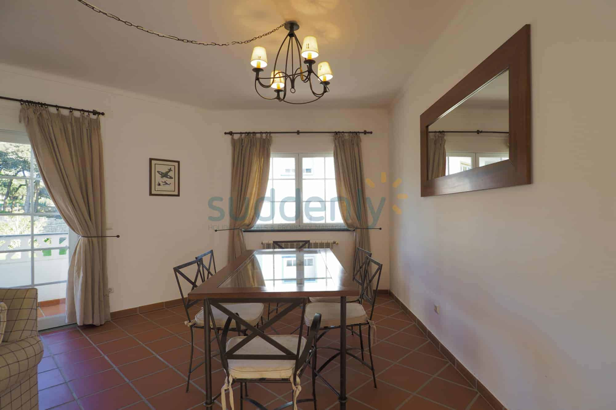 Holiday Rentals in Praia D'El Rey 138