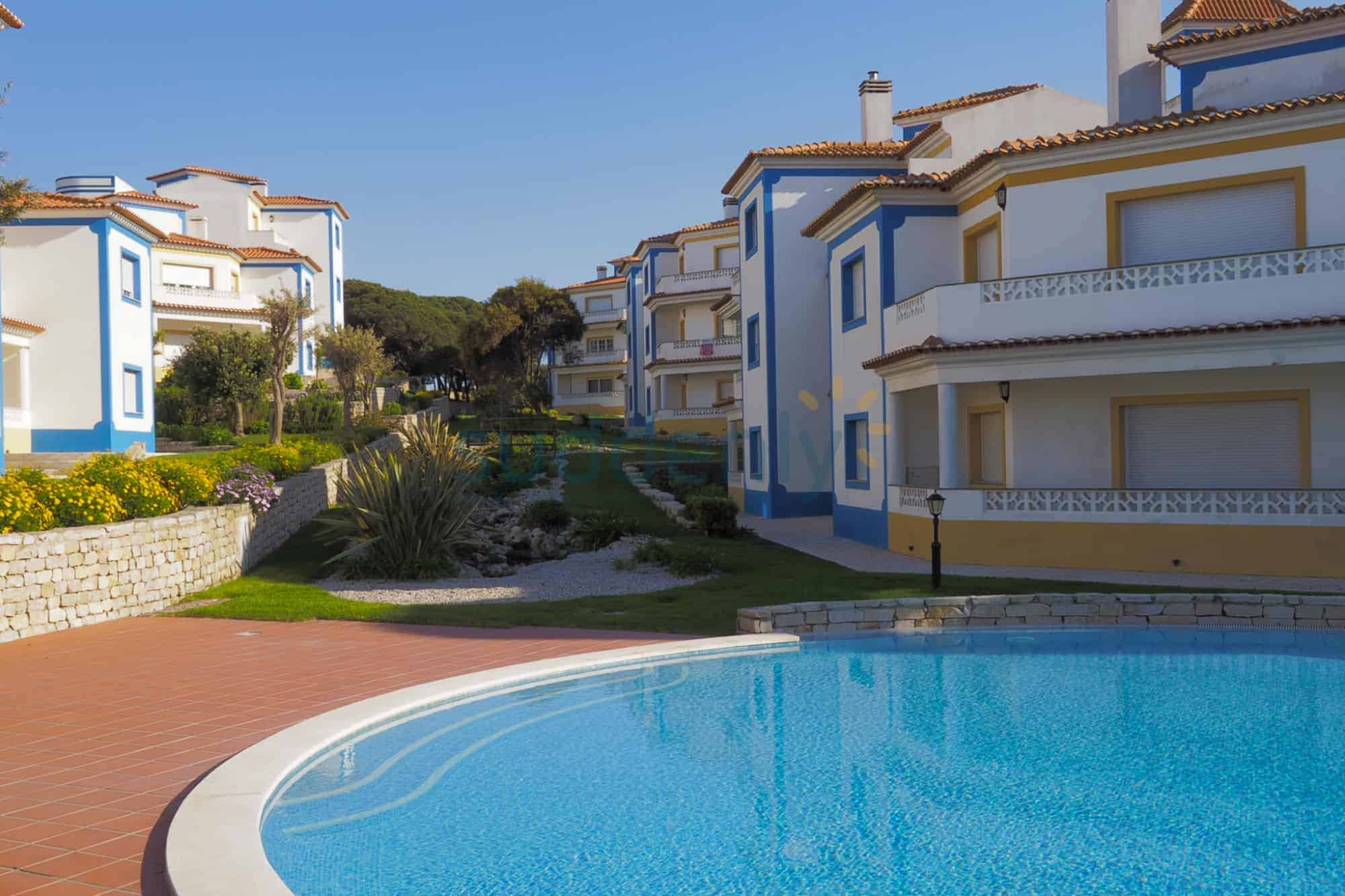 Holiday Rentals in Praia D'El Rey 125