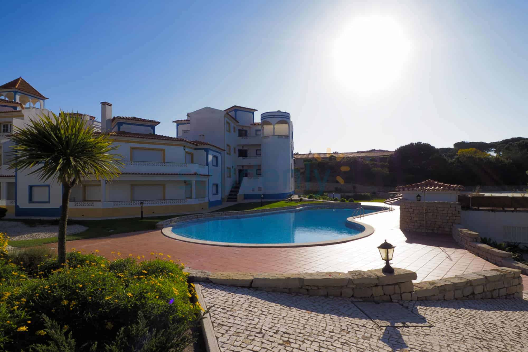 Holiday Rentals in Praia D'El Rey 150