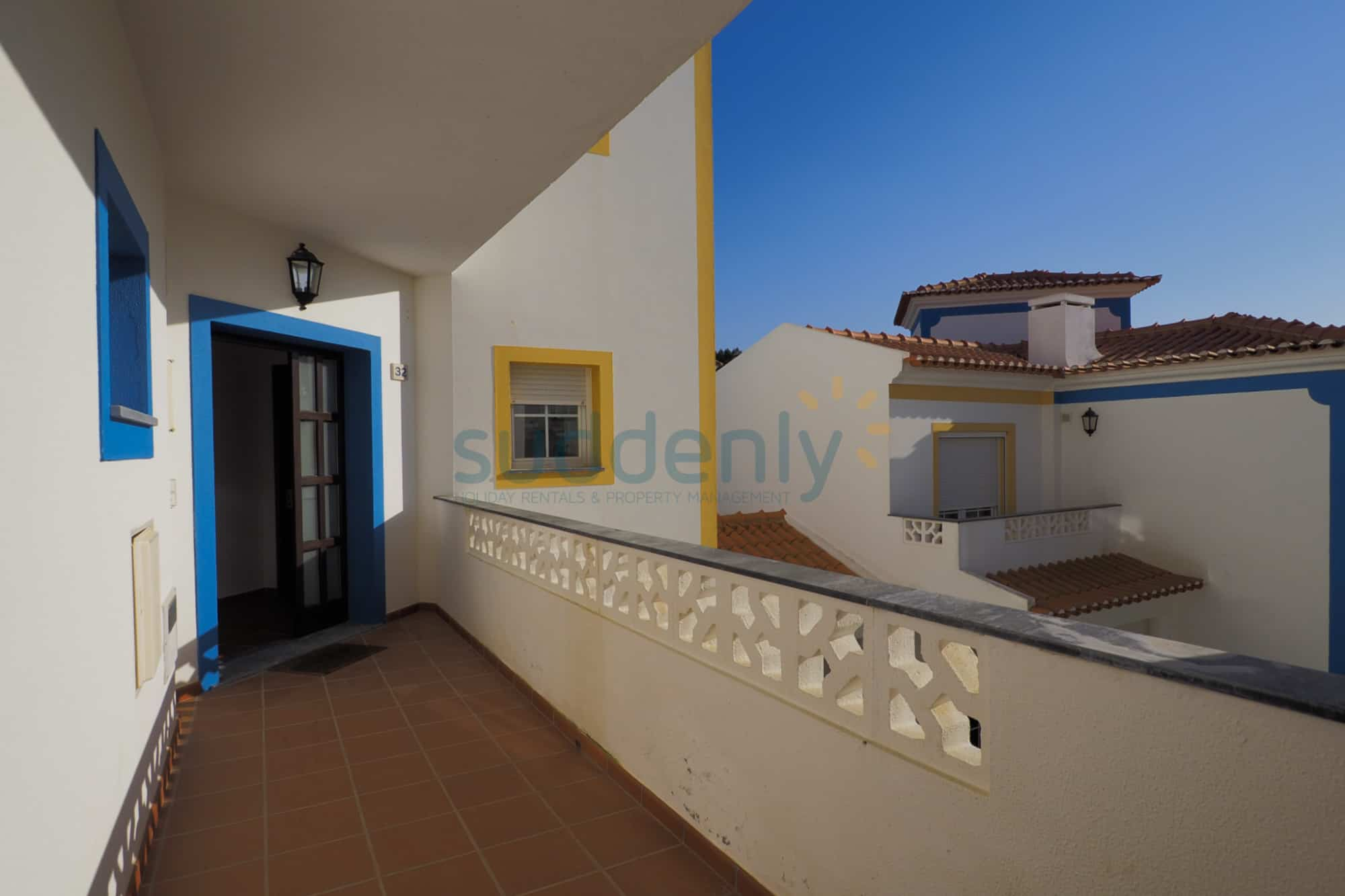 Holiday Rentals in Praia D'El Rey 131