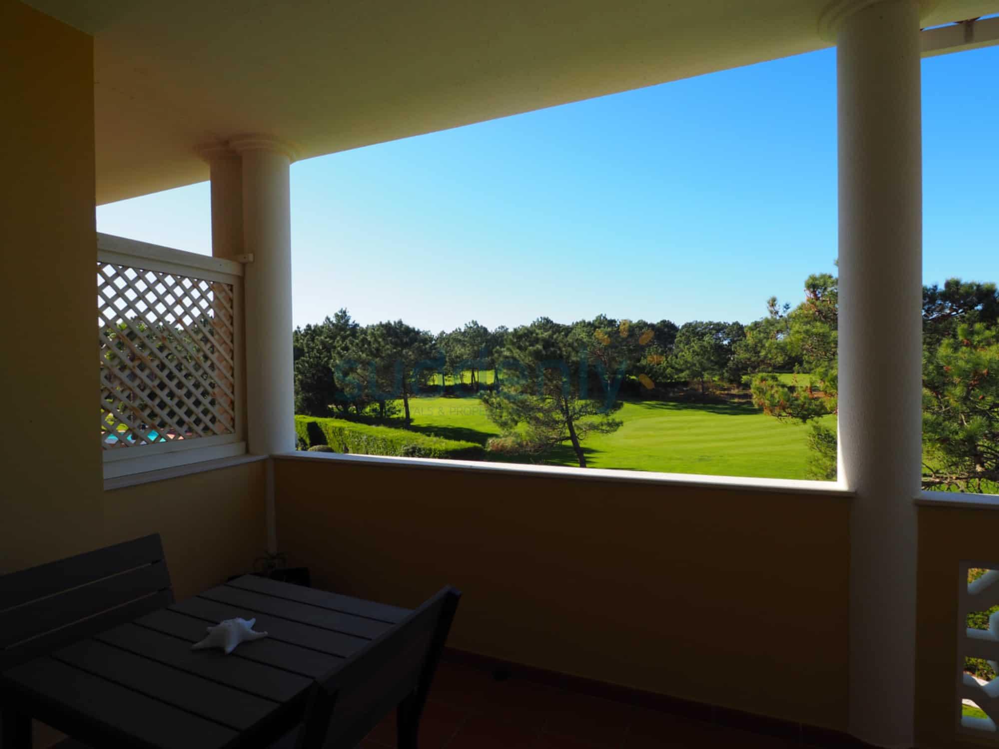 Holiday Rentals in Praia D'El Rey 117