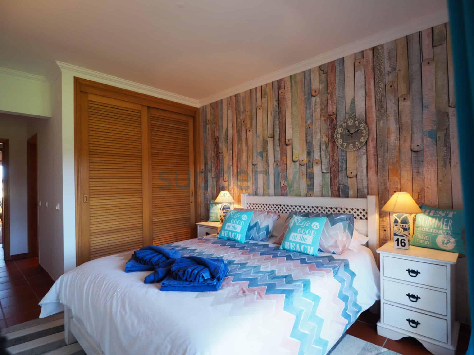 Holiday Rentals in Praia D'El Rey 116