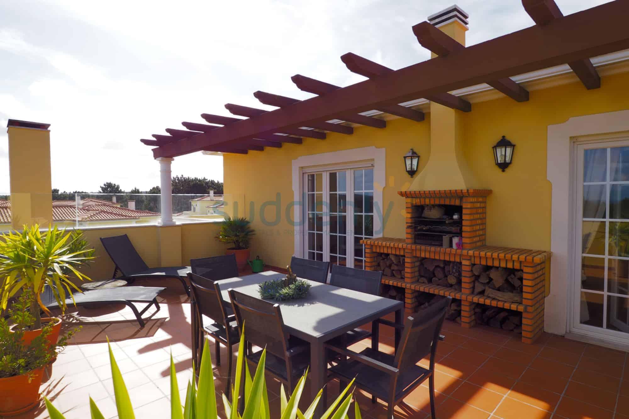 Holiday Rentals in Praia D'El Rey 93