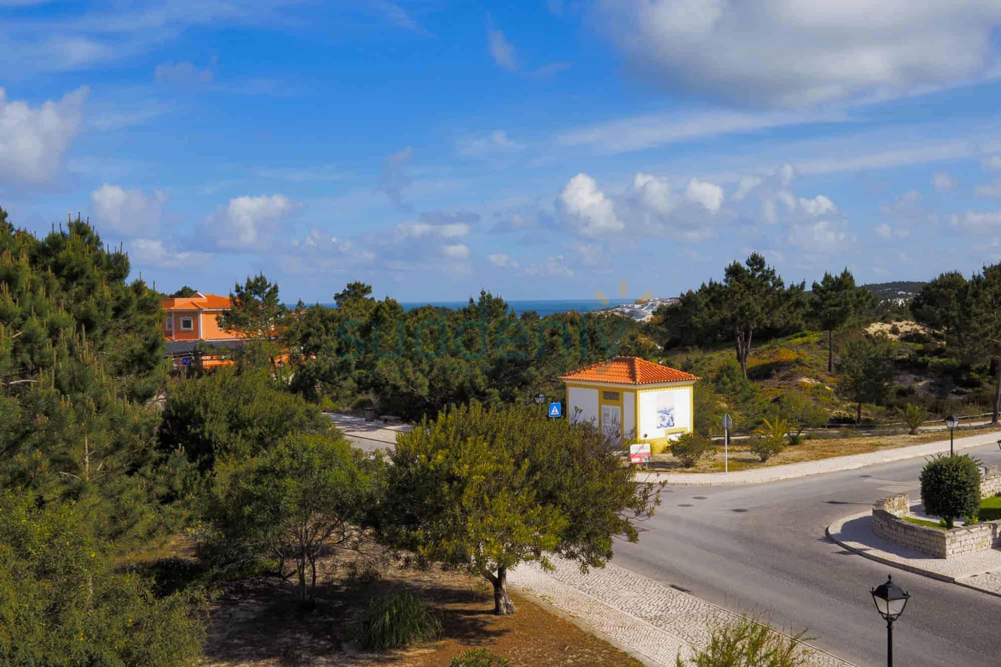 Holiday Rentals in Praia D'El Rey 120