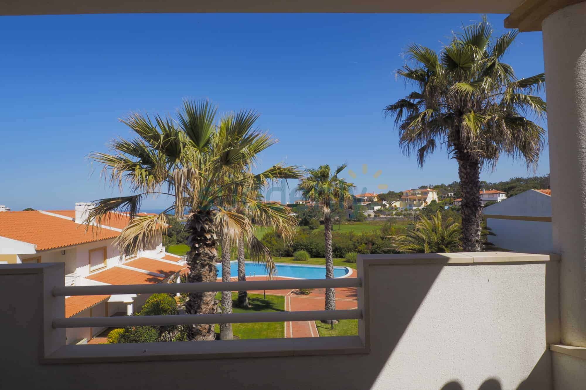 Holiday Rentals in Praia D'El Rey 279