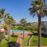 Holiday Rentals in Praia D'El Rey 306