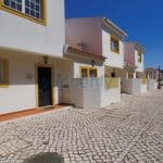 Holiday Rentals in Praia D'El Rey 311