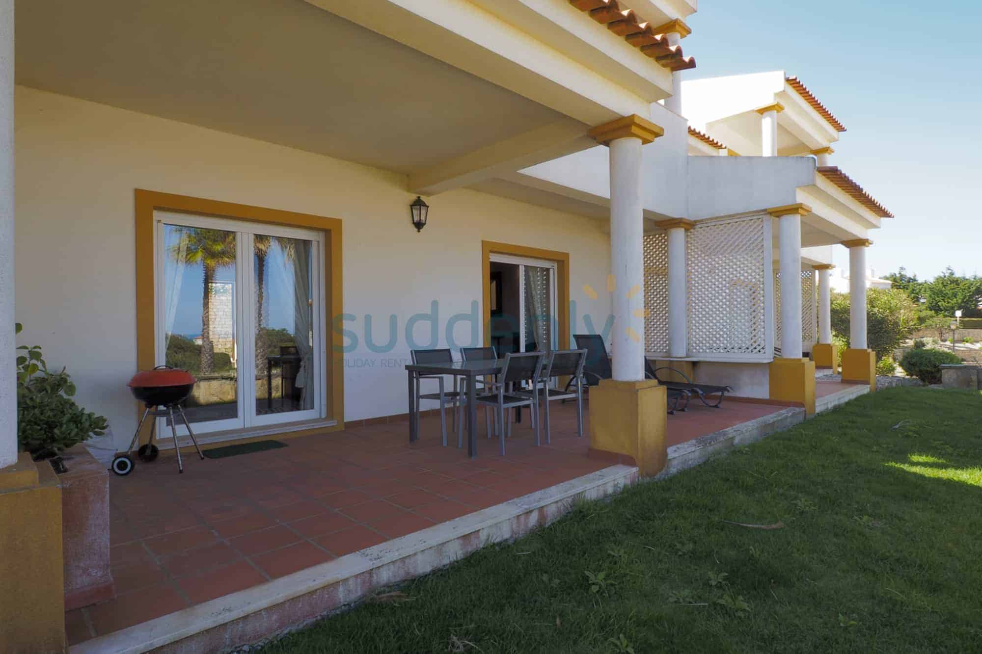 Holiday Rentals in Praia D'El Rey 289