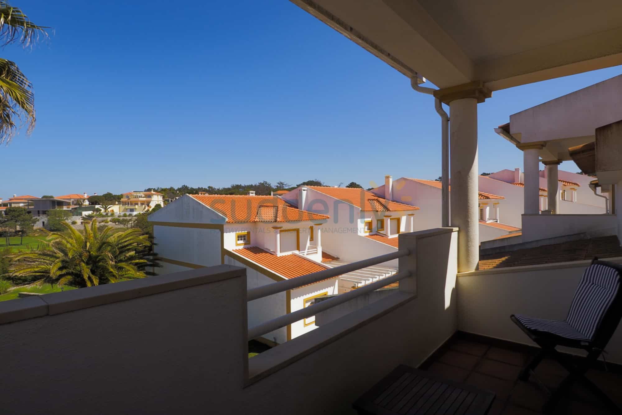 Holiday Rentals in Praia D'El Rey 346