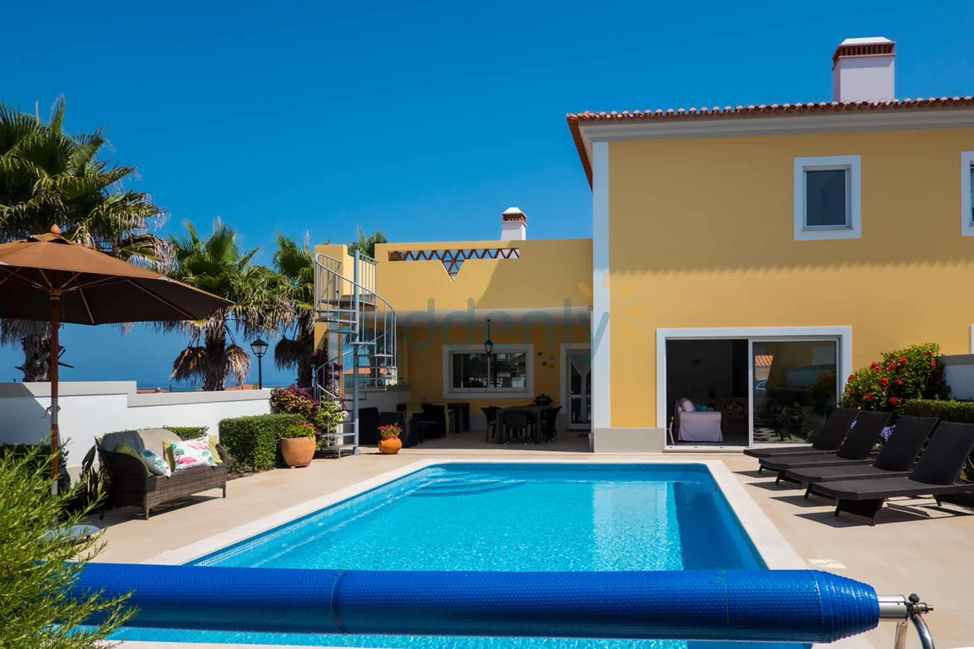 Holiday Rentals in Praia D'El Rey 340