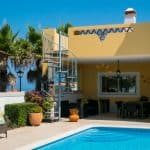 Holiday Rentals in Praia D'El Rey 366