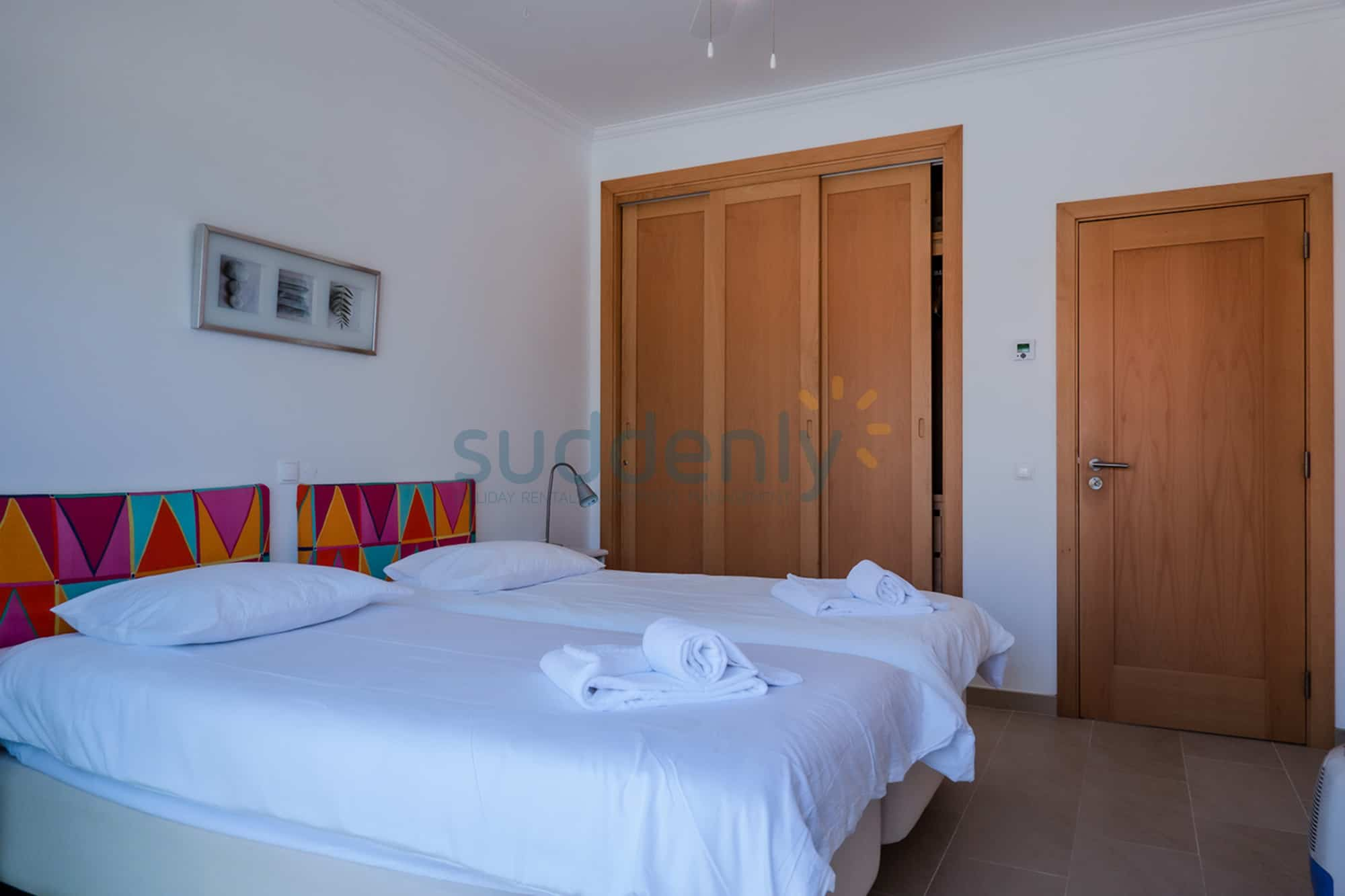 Holiday Rentals in Praia D'El Rey 344