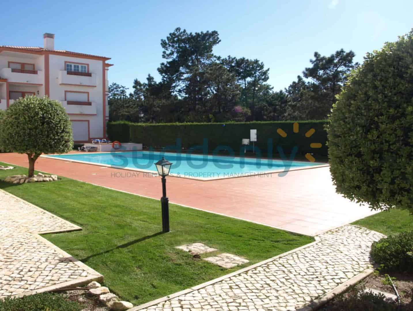 Holiday Rentals in Praia D'El Rey 100