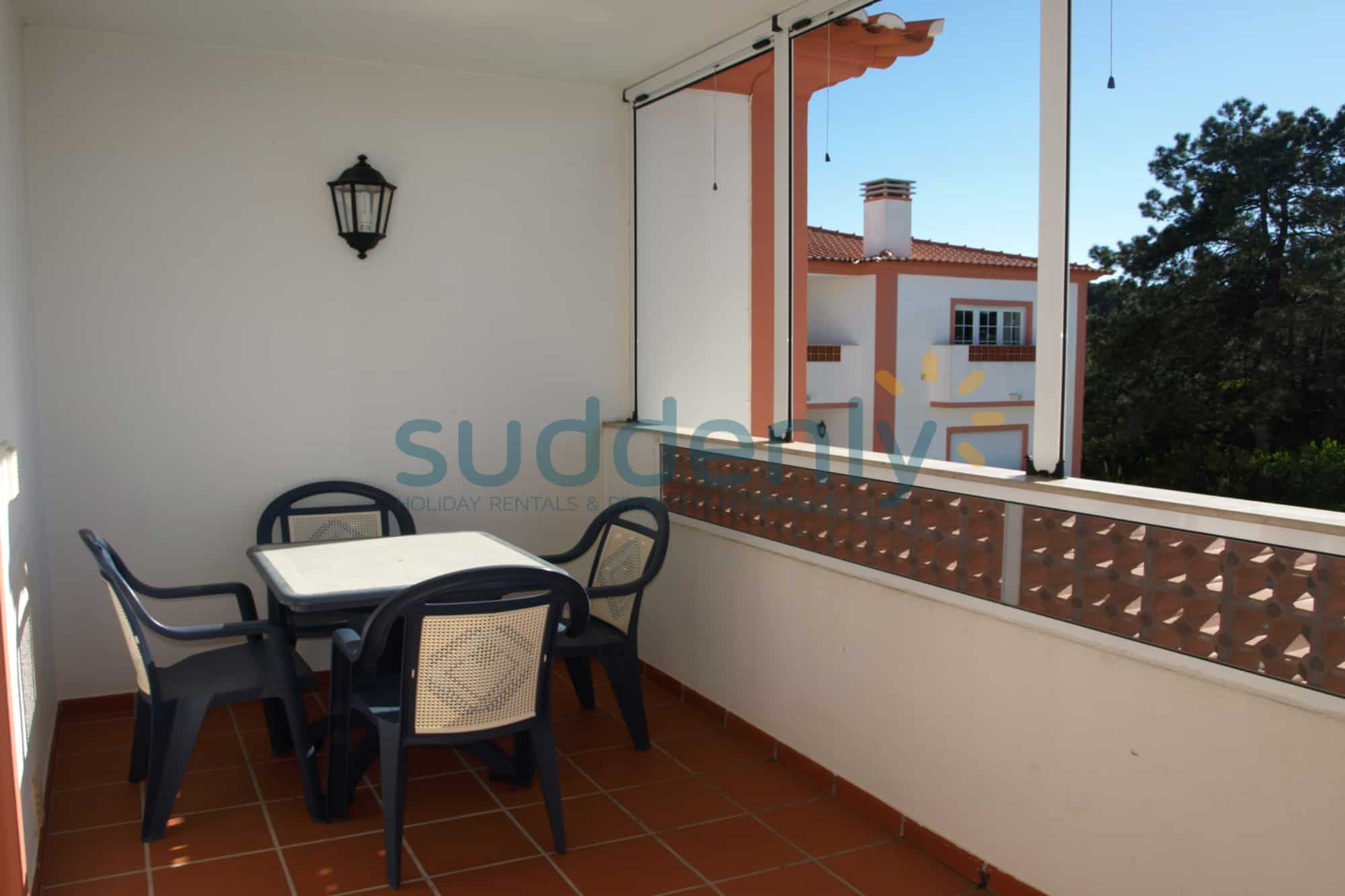 Holiday Rentals in Praia D'El Rey 107