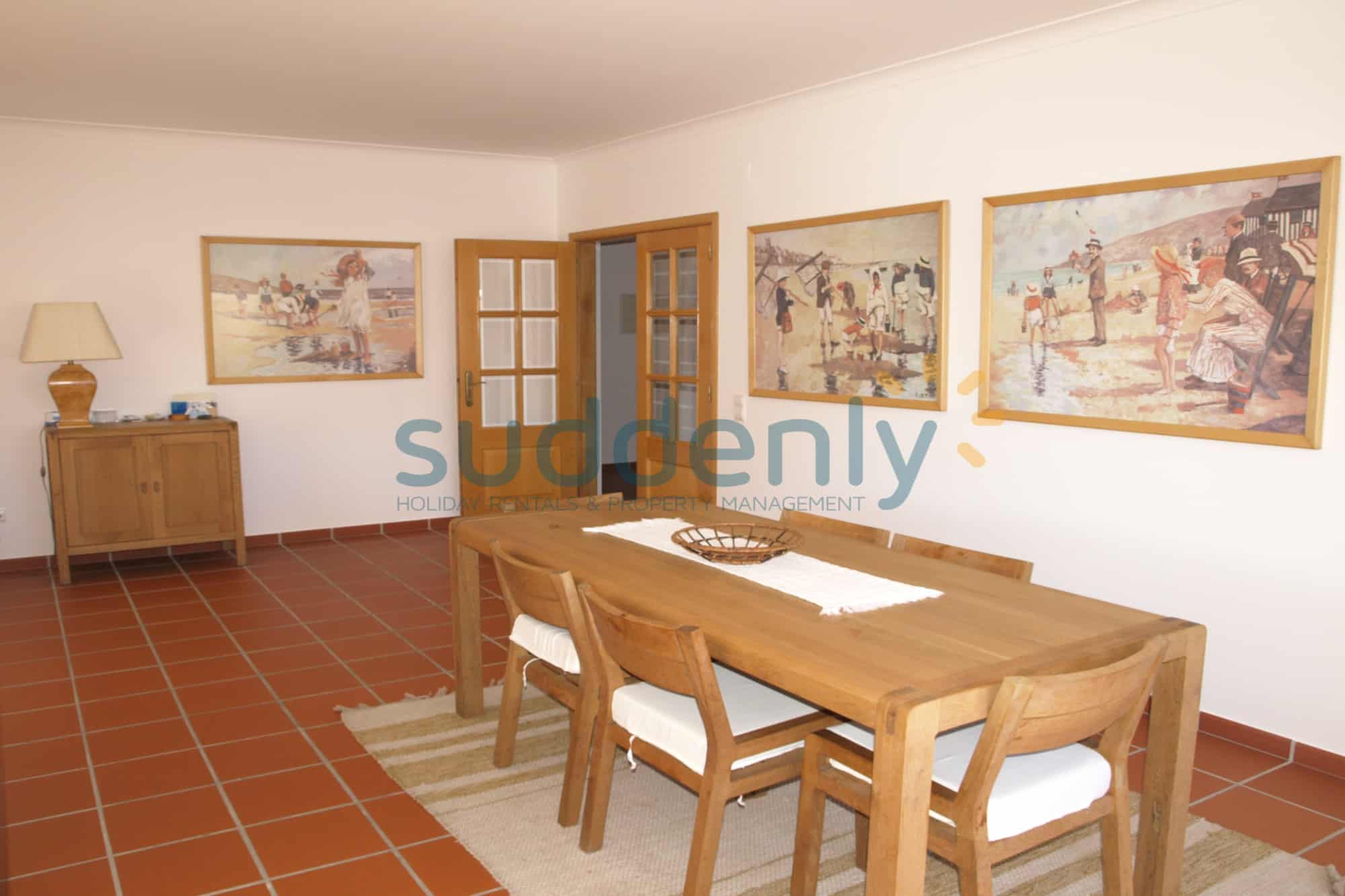 Holiday Rentals in Praia D'El Rey 104