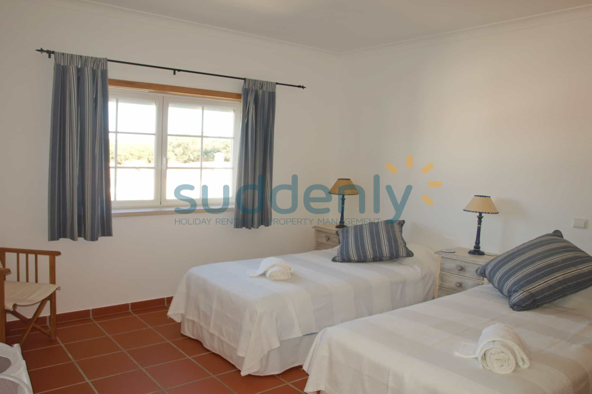 Holiday Rentals in Praia D'El Rey 110