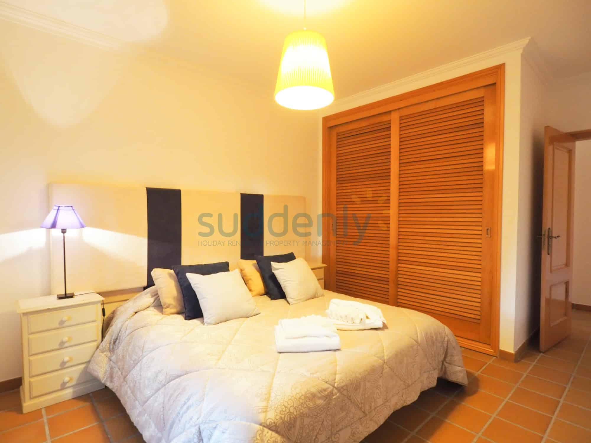Accommodation 379