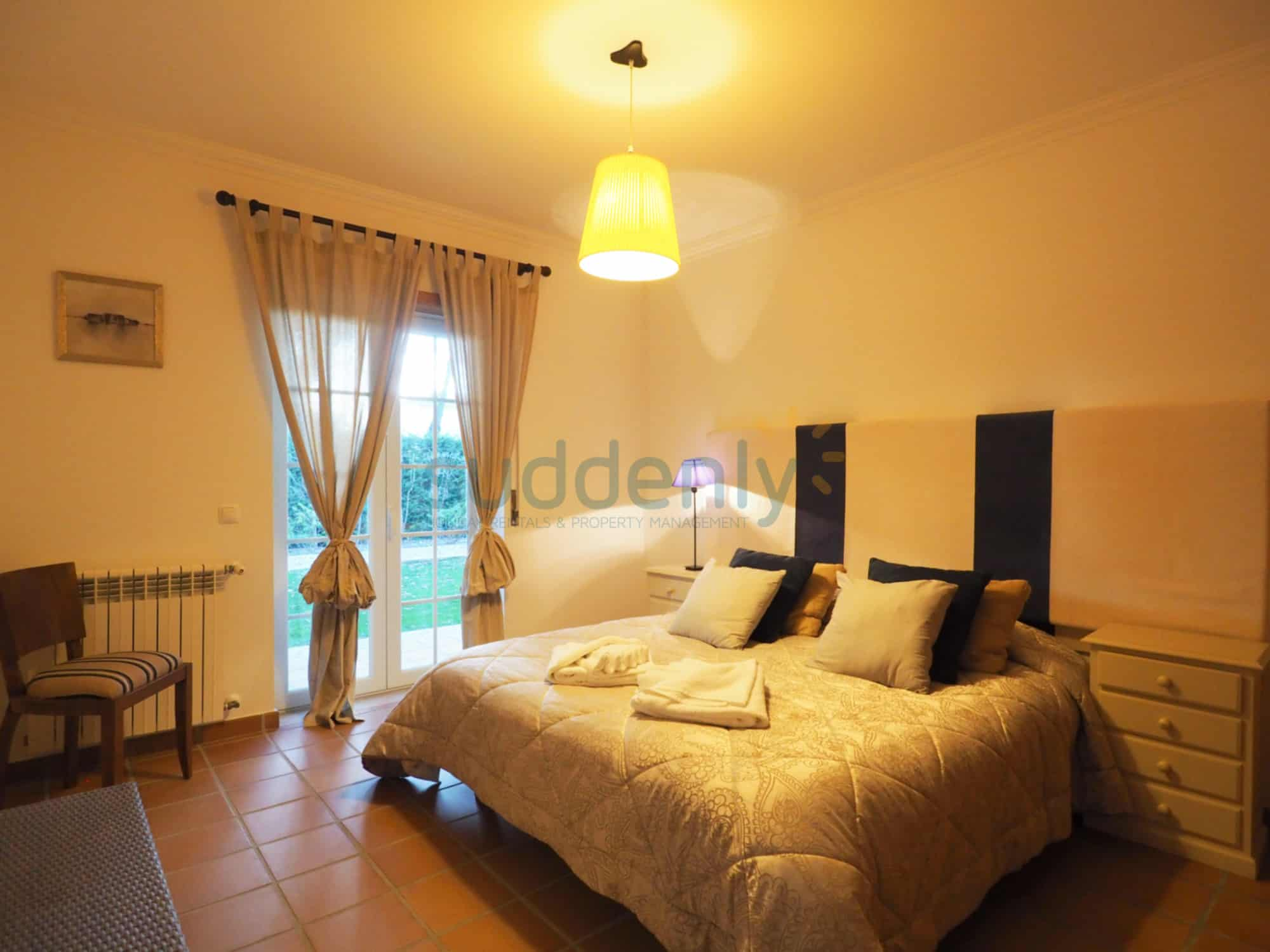 Accommodation 377