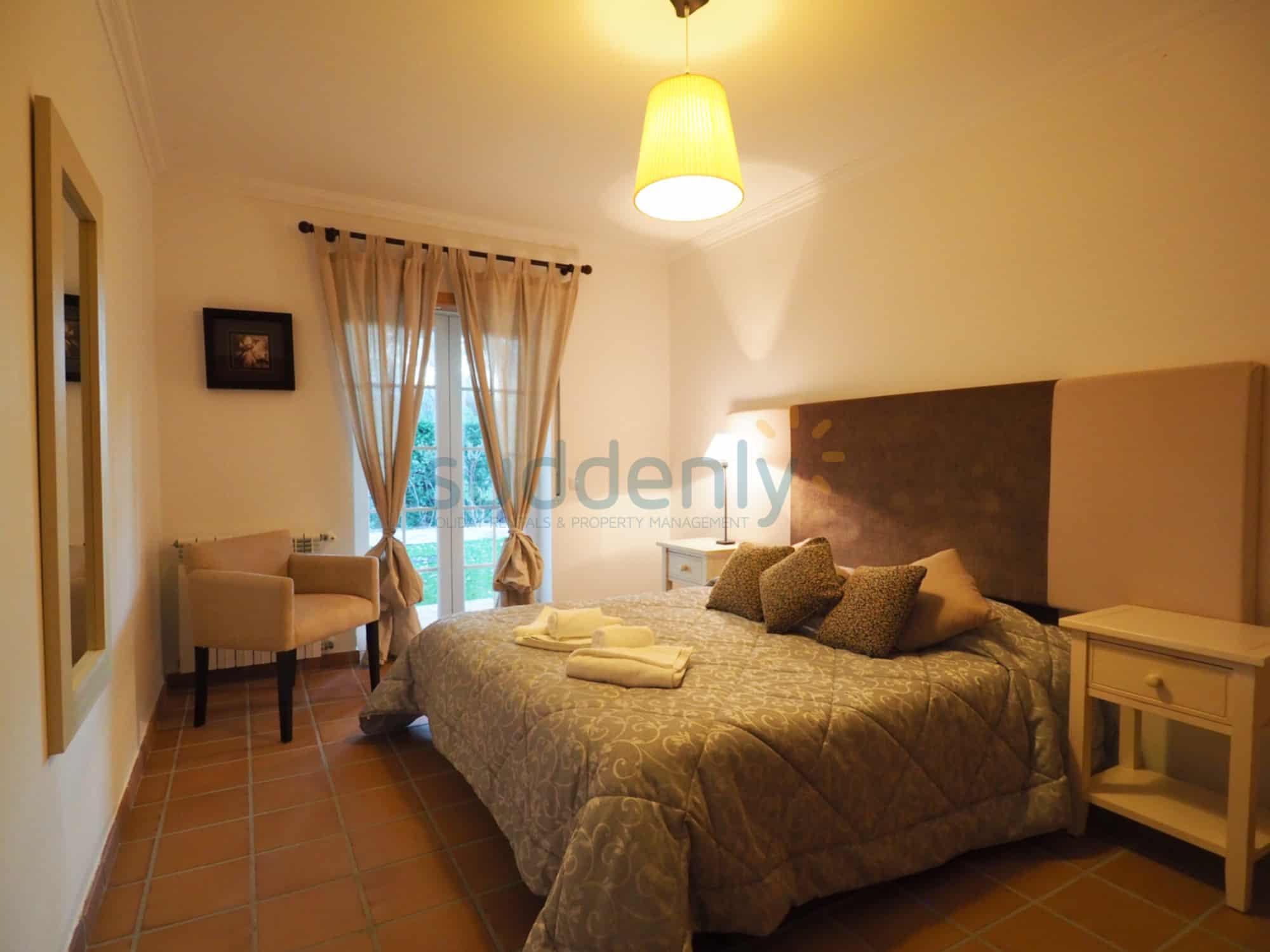 Accommodation 364