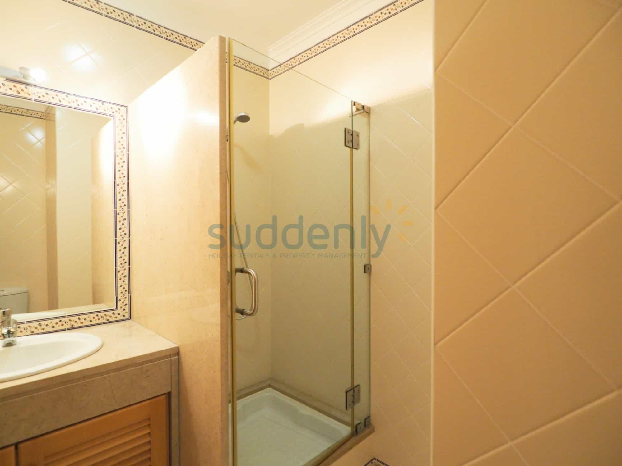 Accommodation 376