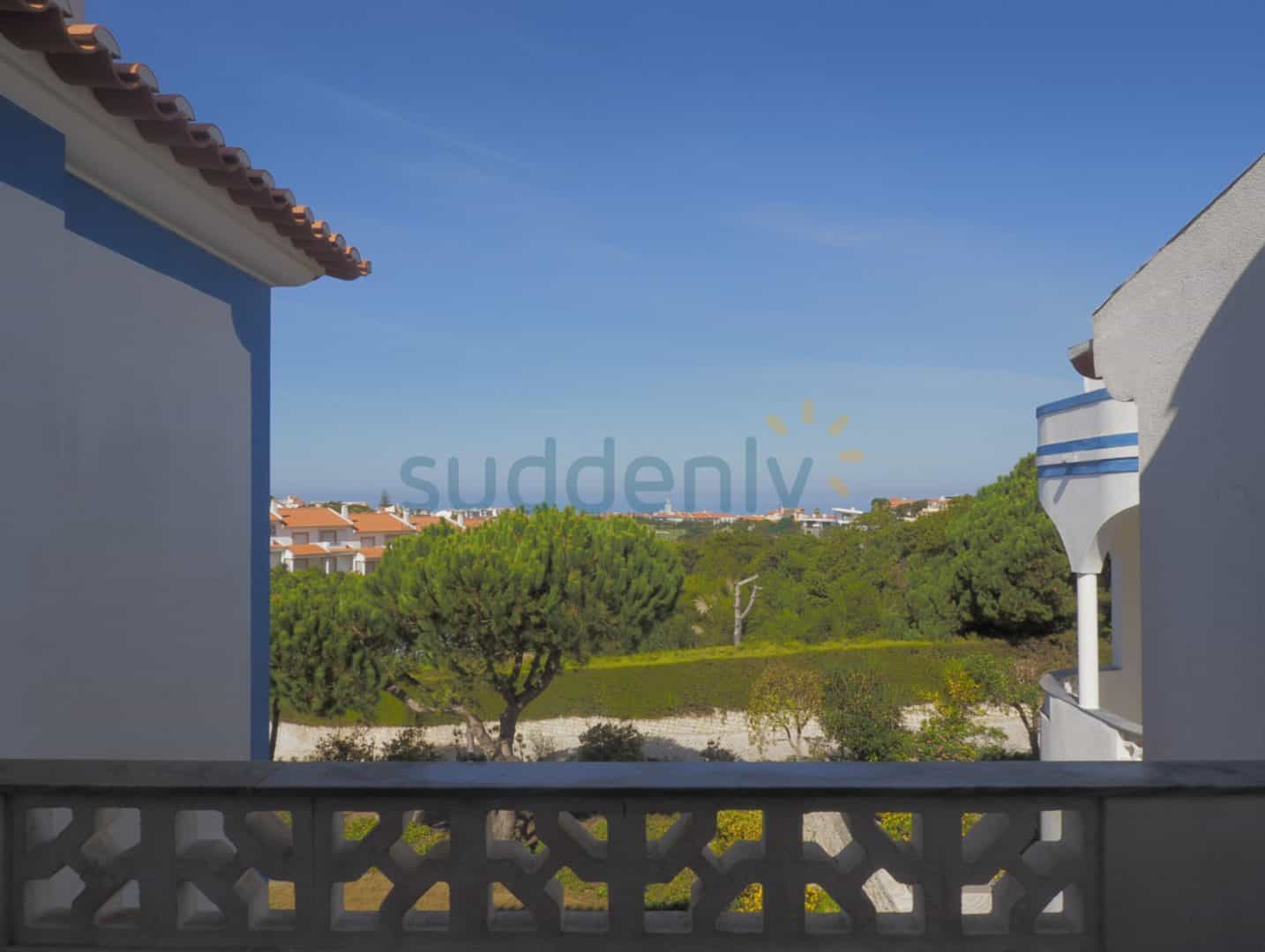 Holiday Rentals in Praia D'El Rey 23