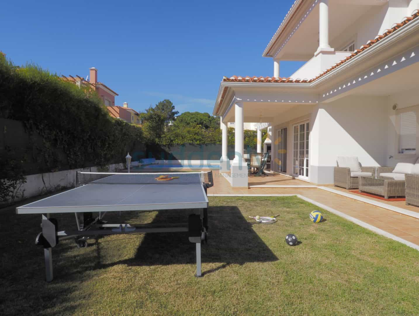 Holiday Rentals in Praia D'El Rey 60