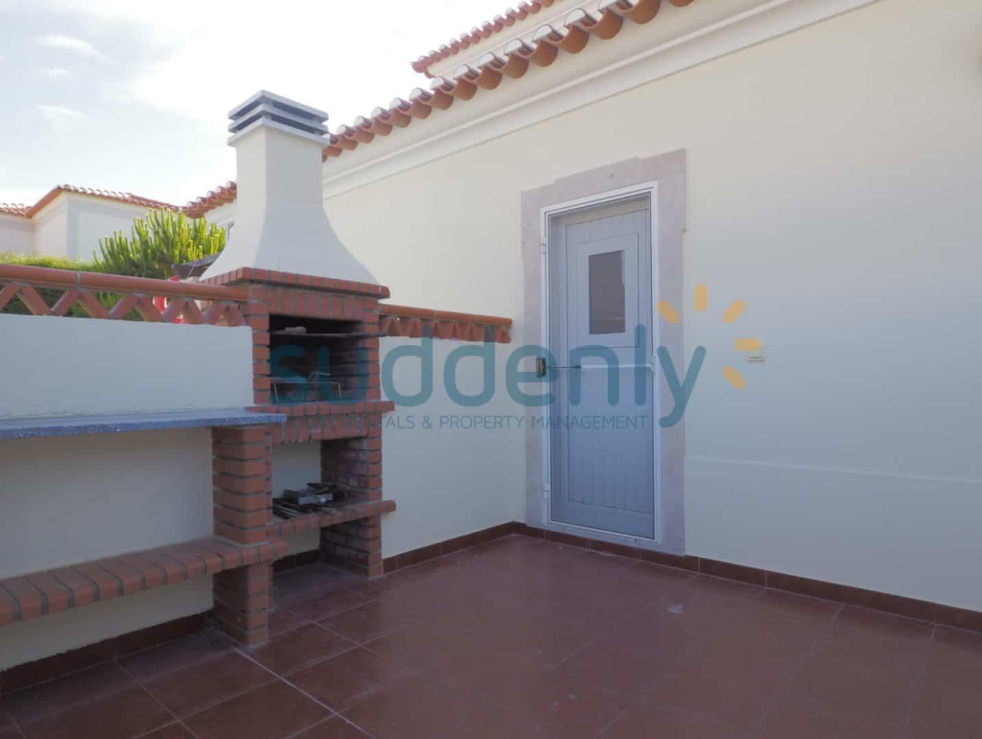 Holiday Rentals in Praia D'El Rey 382