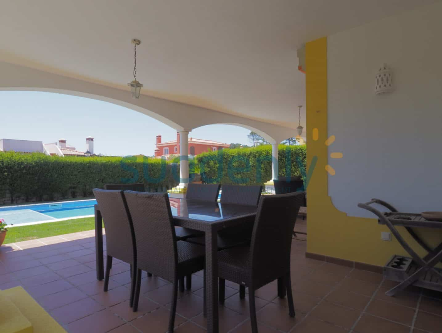 Holiday Rentals in Praia D'El Rey 112