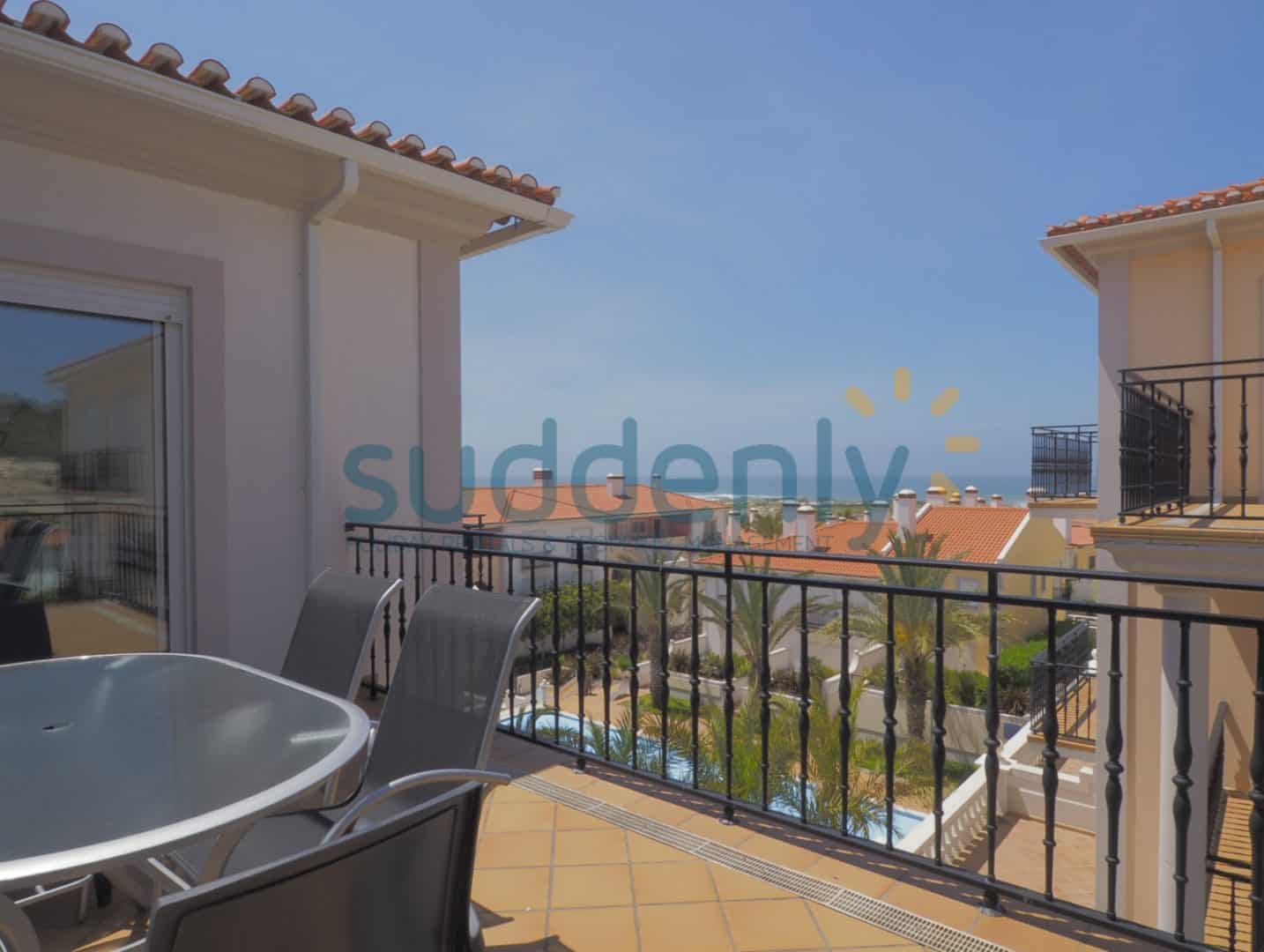 Holiday Rentals in Praia D'El Rey 174